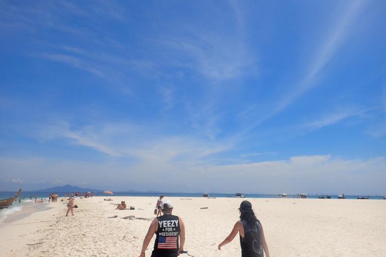 ピピ島 + カイ島日帰りツアー 人気のム...の写真