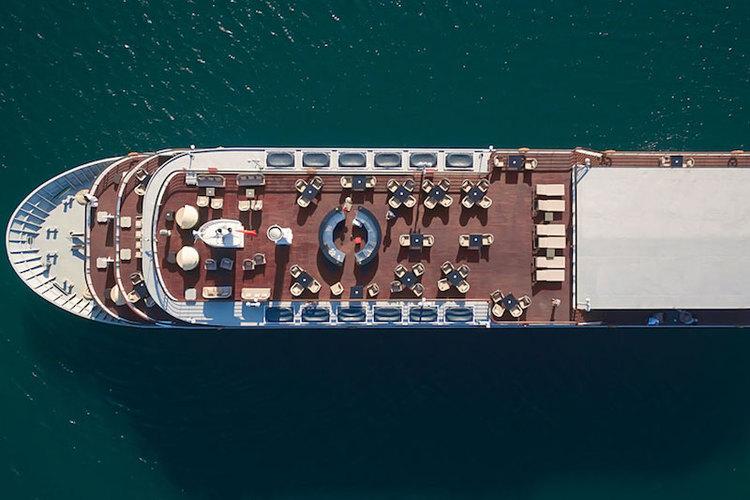 [伝統的な木製ジャンク]ハロン湾ボート宿...の写真