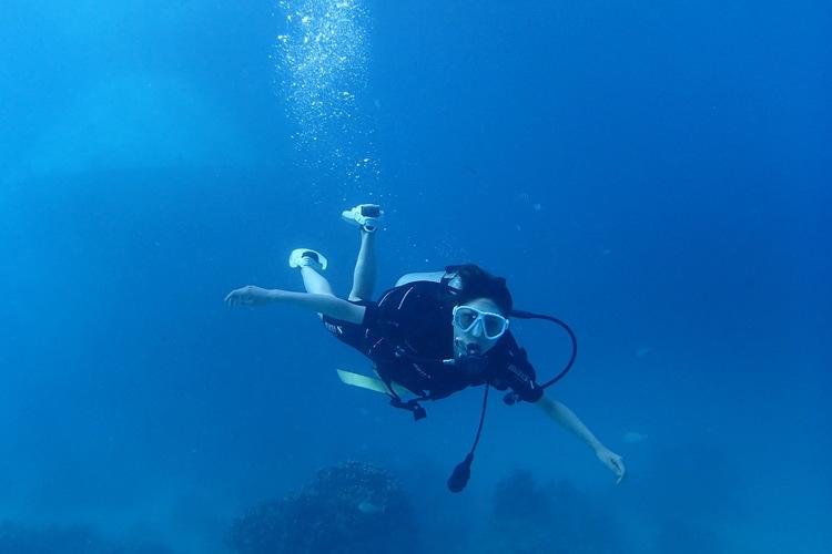 体験ダイビングで初めての海中探検 by ...の写真