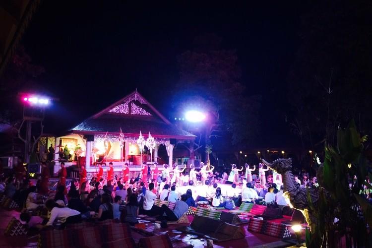 オプショナルツアー「タイ北部郷土料理カントークディナーショー(オールドチェンマイ)」の写真
