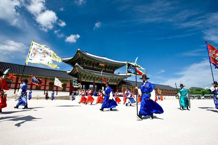 ソウル市内観光ツアー 景福宮 (キョンボ...の写真