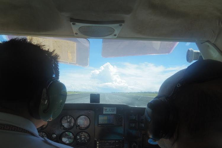 セスナの操縦体験/操縦訓練の写真