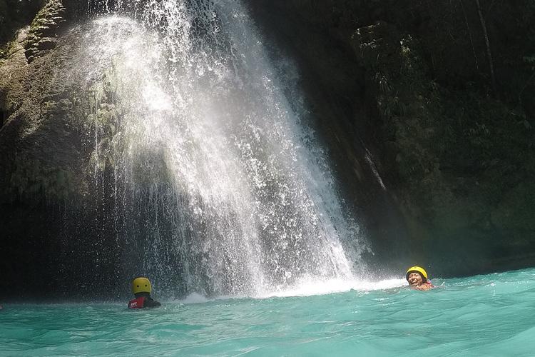 カワサン滝 キャニオリングツアーの写真