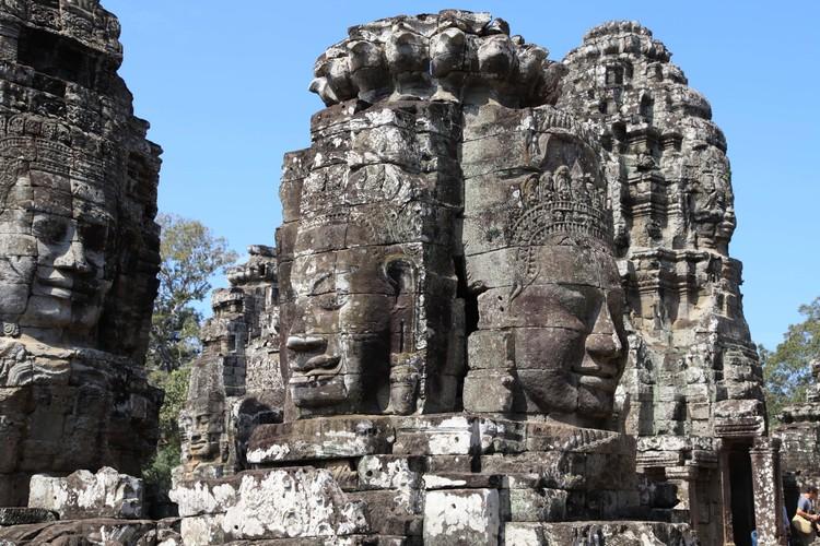 世界遺産アンコールトム&タプローム寺院半...の写真
