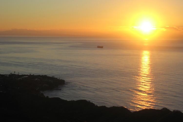 早朝ダイヤモンドヘッドハイキングとコーラ...の写真