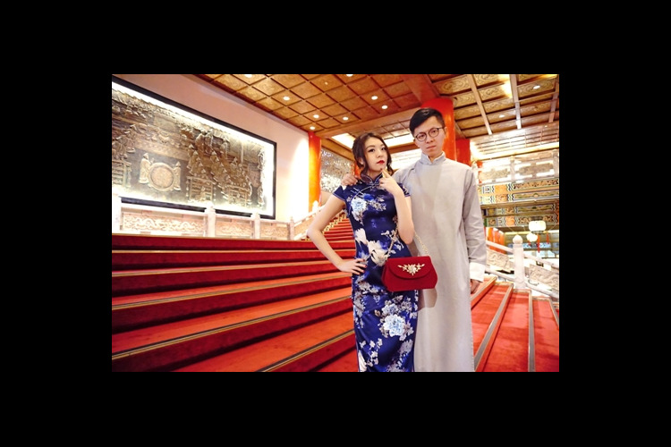 チャイナドレスで貴婦人気分ツアーin有名...の写真