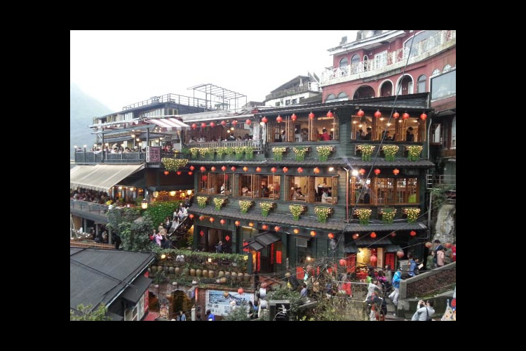 台北の人気スポット巡り 九份 + 十分の...の写真