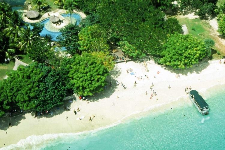 レンボンガン島 バリハイ・ビーチクラブク...の写真