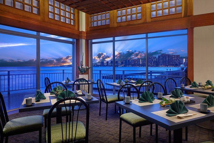 静かな空間「都レストラン」で本格派日本料...の写真