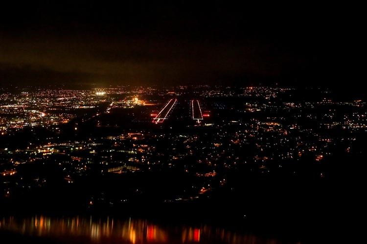 グアムの夜景・星空を空から観測 夜間 セ...の写真