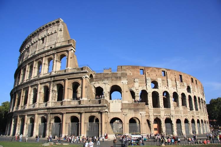 ローマ観光決定版コロッセオ + 真実の口...の写真