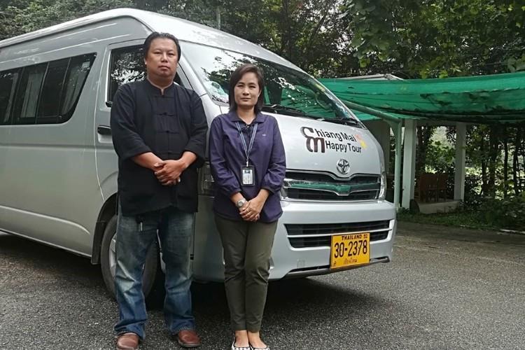 日本語ガイド&運転手 付きレンタカーの写真