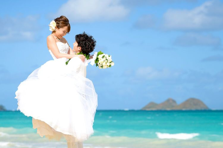 ハワイで憧れのウェディングビーチフォト撮...の写真