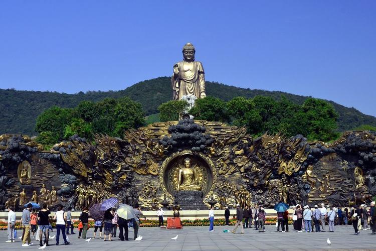 高さ88mの超巨大仏像の無錫霊山大仏と三...の写真