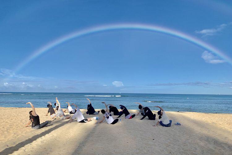 大人気「ヨガアロハ」主催 ワイキキビーチ...の写真