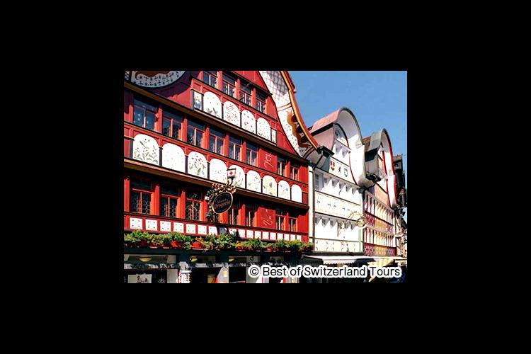 伝統的なスイスの村 アッペンツェル1日観...の写真