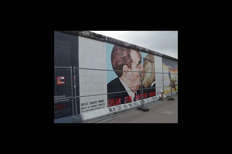 べルリンの壁と旧東ドイツを感じる 午後ウ...の写真