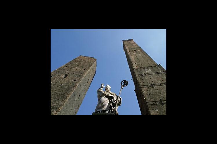ボローニャ1日観光 ~学問・美食・塔の都...の写真