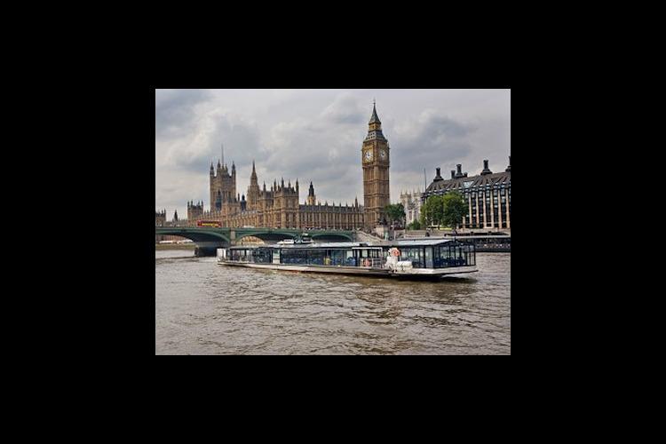 日曜日限定 バトー・ロンドン テムズ川サ...の写真