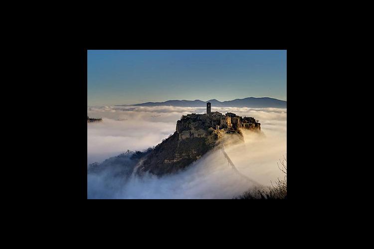 【催行日限定】滅びゆく天空の都市 チヴィ...の写真