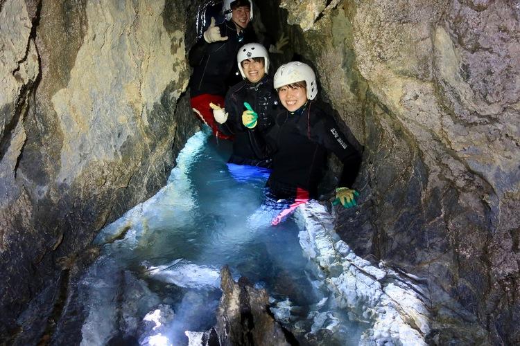 洞窟潜水探検!非日常のアドベンチャーを体...の写真