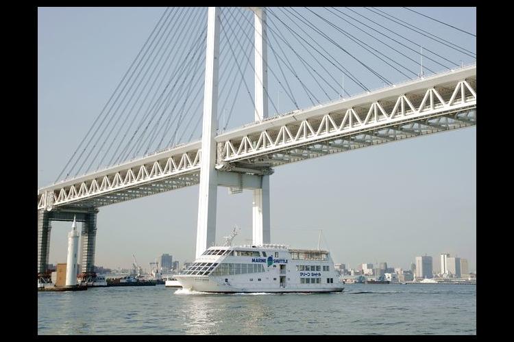 【山下公園乗船】大型客船マリーンシャトル...の写真
