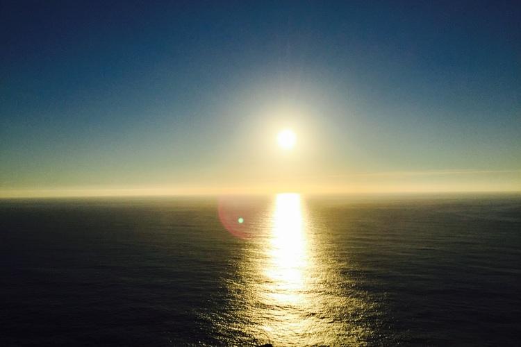 《12/31限定》大晦日に沈む最西端の夕...の写真