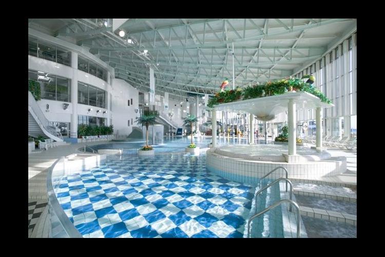【最大27%割引】リゾ鳴尾浜 入館クーポ...の写真