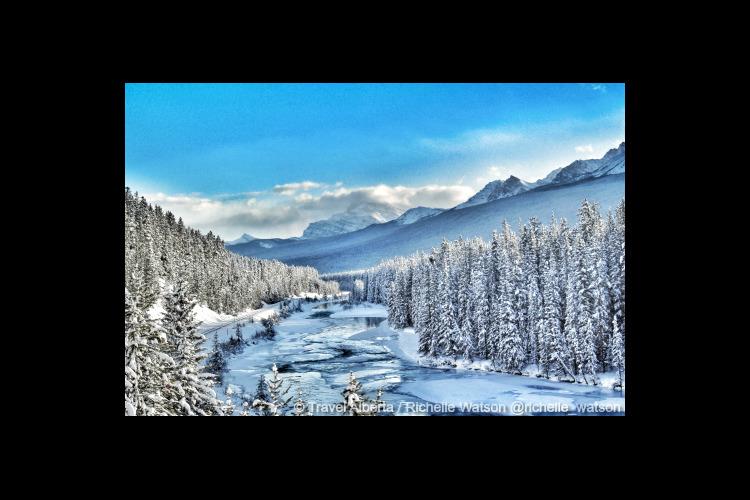 絶景スポットをめぐる★冬のサルファー山ゴ...の写真