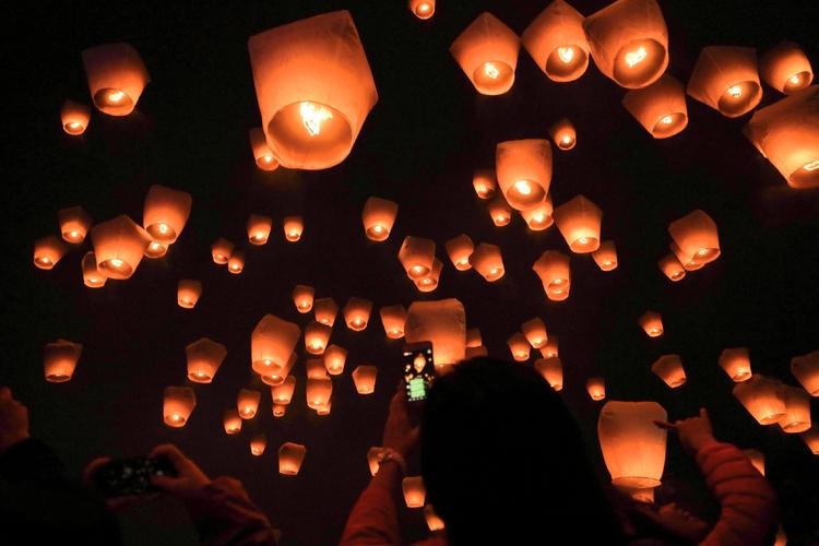 ★催行会社独自の天燈祭、混雑なし、交通も...の写真