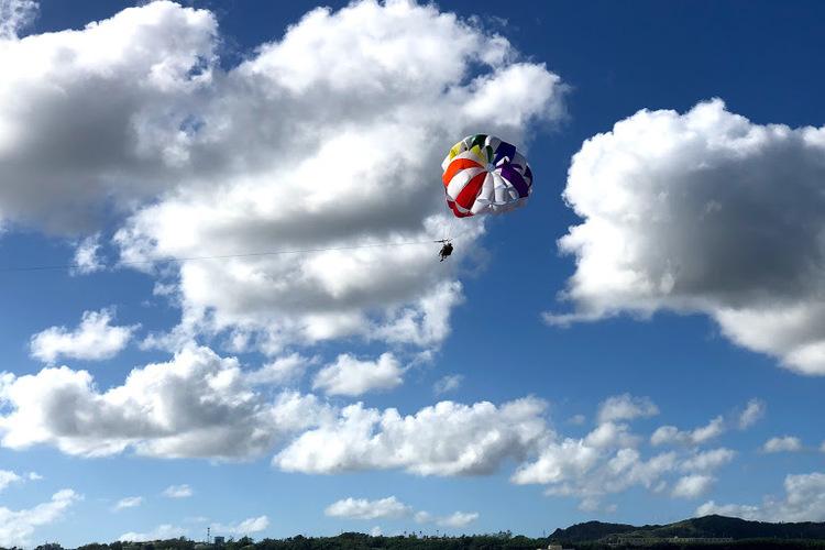 パラセーリング グアムを空から独り占め☆...の写真
