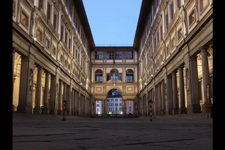 [ローマ発フィレンツェ行き] 天空の街チ...の写真