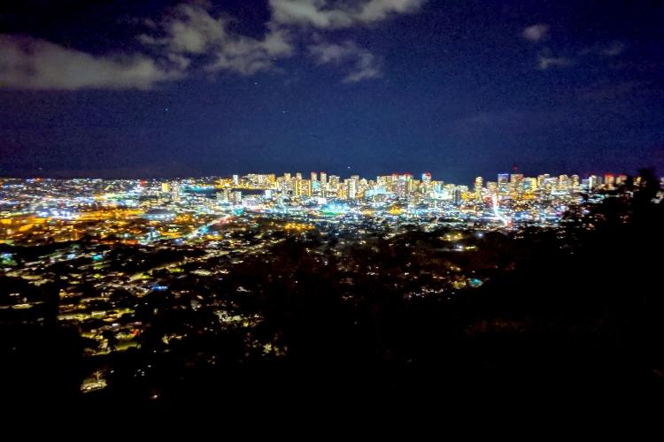 タンタラスの夜景 うれしいマラサダ付き!...の写真