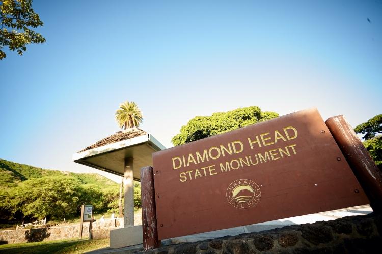 ダイヤモンドヘッド早朝登山とハワイの定番...の写真