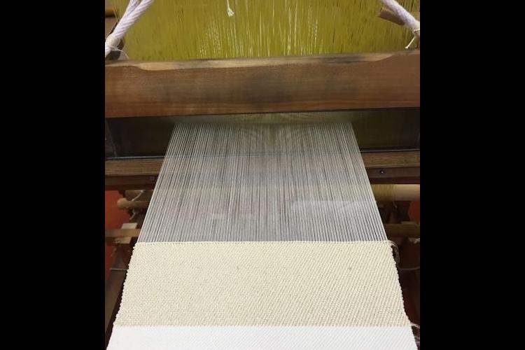 綾織りの機織体験と京都の伝統織物工房見学の写真