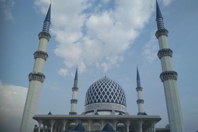 人気のブルーモスク ! マレーシア三大宗...の写真