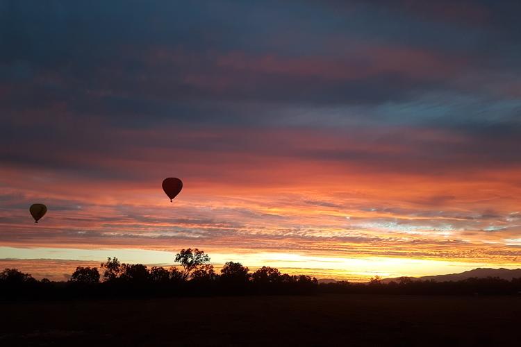 熱気球遊覧飛行ブリスベン発の写真
