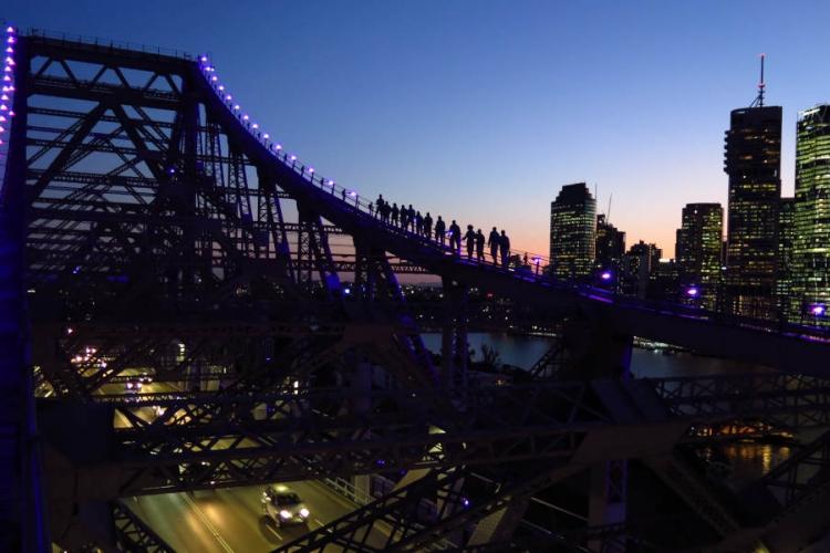 ブリスベン・ストーリーブリッジ 夕暮れを...の写真
