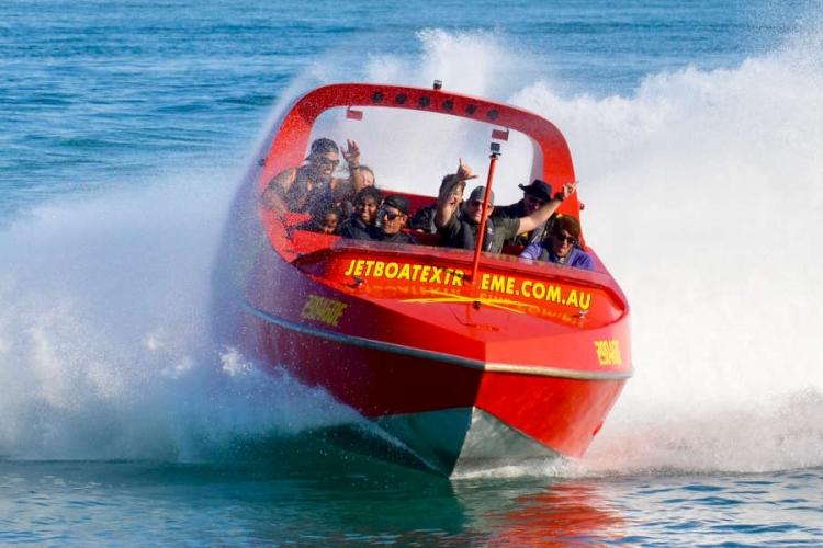サーファーズパラダイス ジェットボードの写真