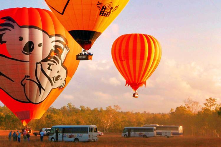 ホットエアー社ケアンズ熱気球ツアー(30...の写真