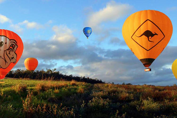ホットエアー社 ケアンズ熱気球ツアー(6...の写真