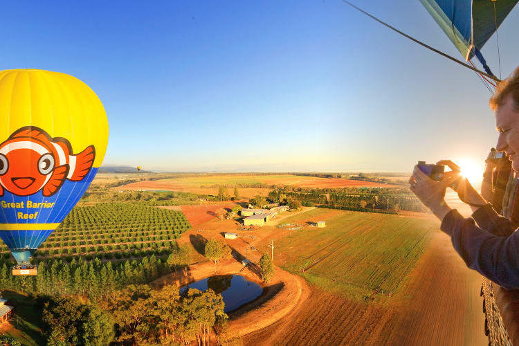 ケアンズ熱気球(ケアンズ帰着8:30am...の写真